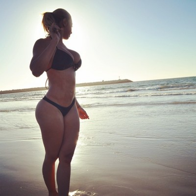 La Bella Reina is proudly flaunting her great CURVES