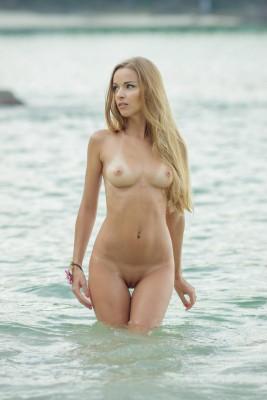 Lizel A - Water nymph