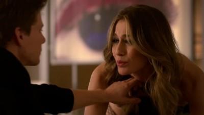 "Kat Foster in ""Weeds"" [S08E02]"