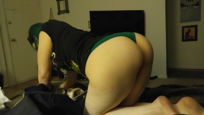 My girl(f)riend looks good in green