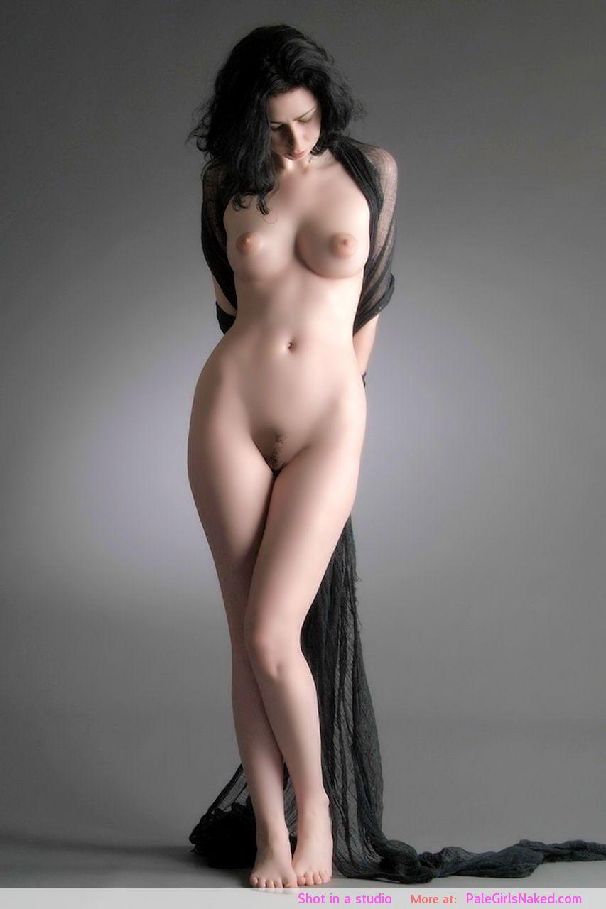 Фото эротические широкие бедра