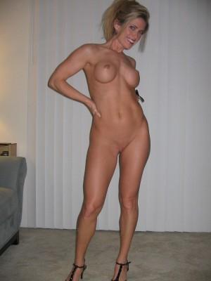 Sub Blonde Milf (AIC)