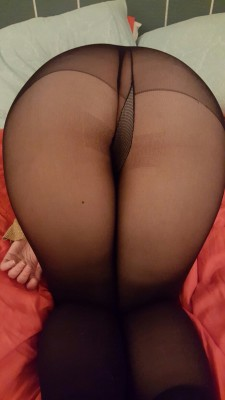 The boy[f]riend snapped this as he bent me over