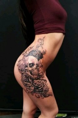 What's more hot than a skull on hip