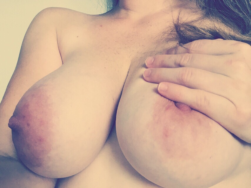 Who wants my wi(f)e pregnant boobs?