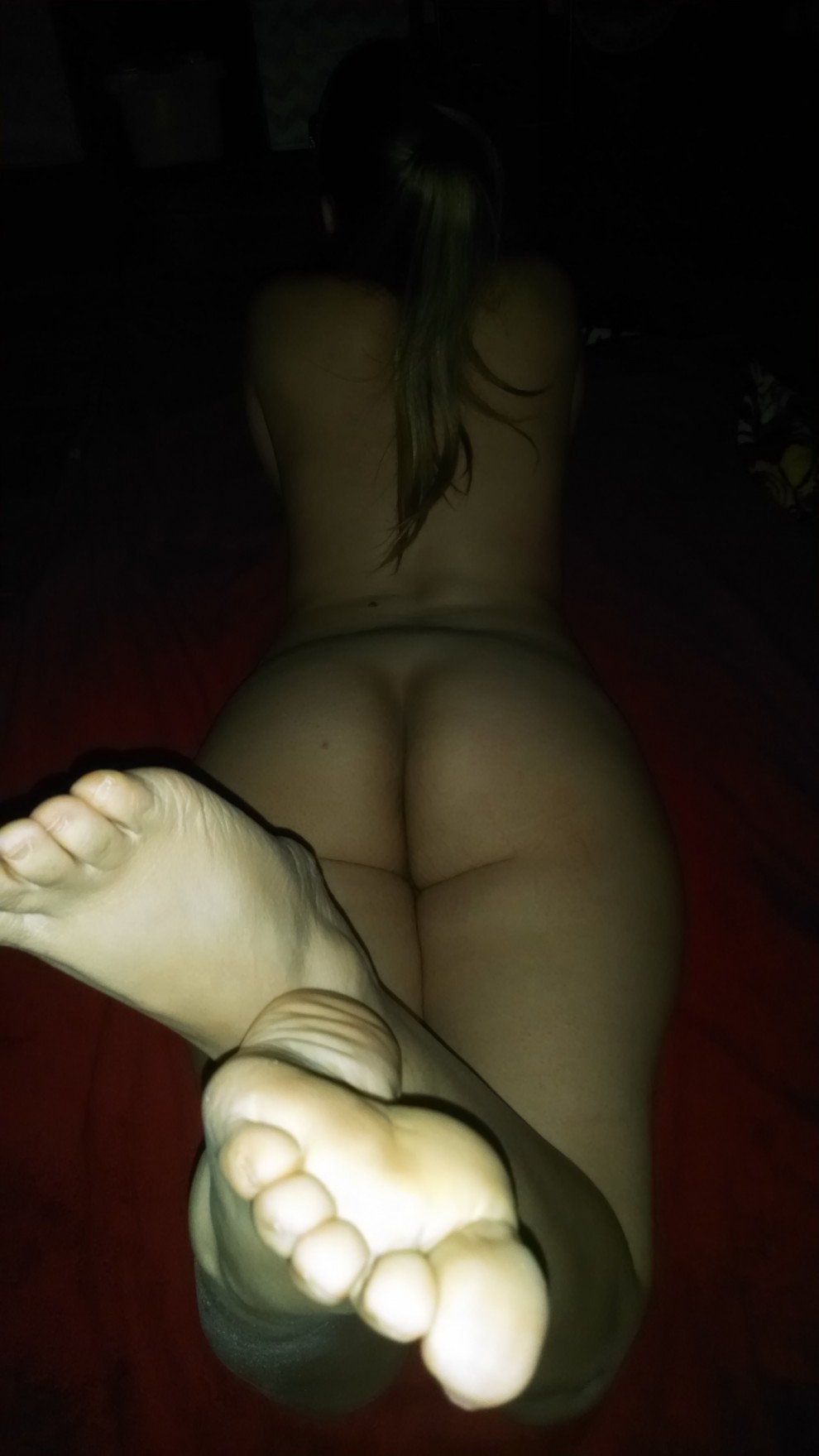Wi(f)e relaxing before a good fucking