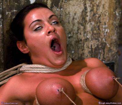 [Xpost /EyeRollOrgasm] Rolling her eyes from bondage orgasm.