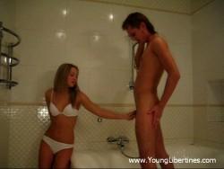 Hawt hookup in a shower