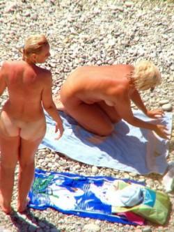 Voyeur beach photos