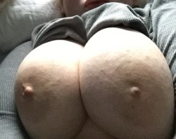 Afternoon boobs