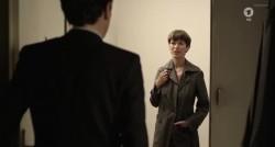 Nicola Ruf flashing plot in Das rote Zimmer (2010)