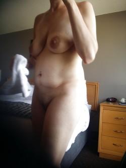 Anyone like big milf nipples?