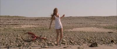 """Vanessa Paradis in """"Élisa"""" (1995)."""