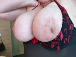 Do you like my wife's nipples?