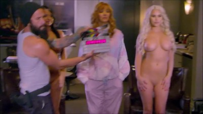 """Phoebe stands between 2 naked chicks in """"The Comeback"""""""