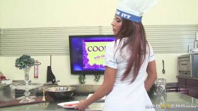 Madison Ivy | Cookin' With Madison | Brazzers