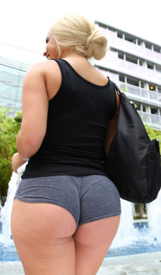 Her ass is so fat it's trying to eat her shorts