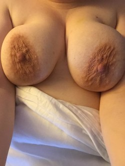 I think I might be drunk. So here are my tits.