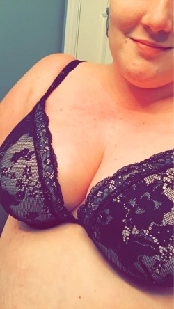 I wanted to share my favorite bra with you guys ;) (f)