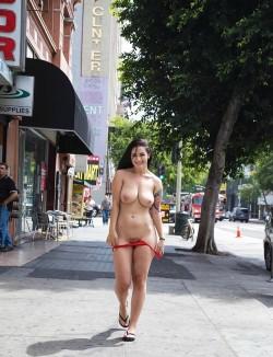 Katrina Jade strutting her stuff [IMG]