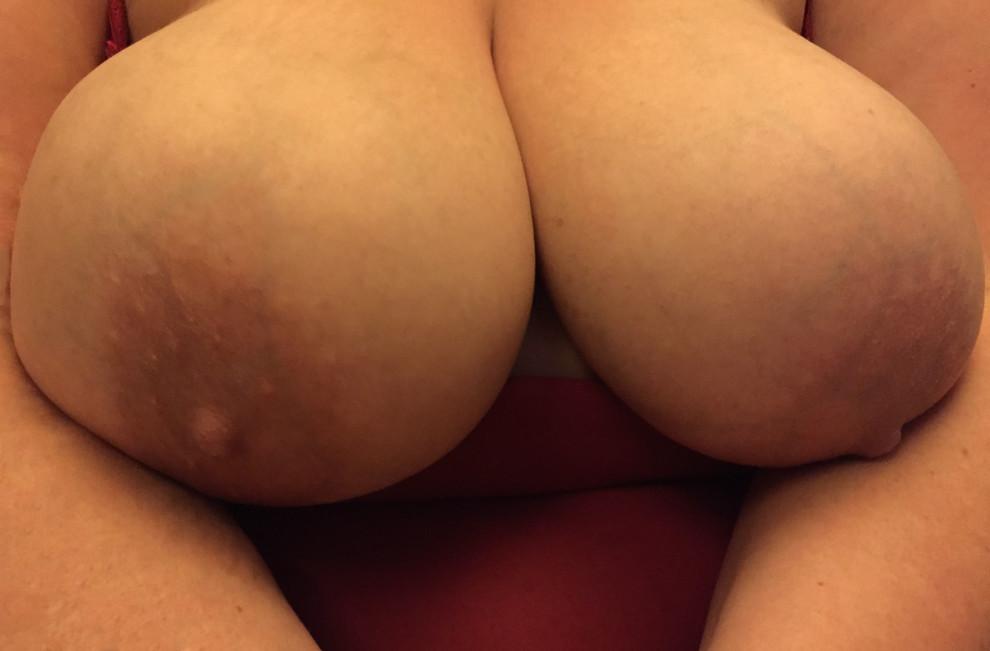 My wife's huge40F boobs.