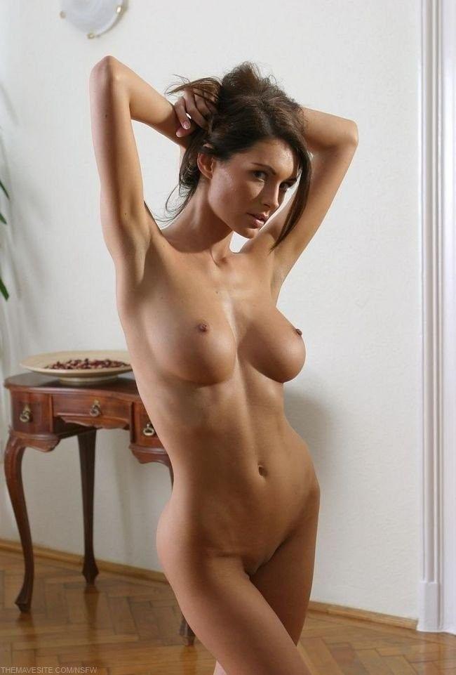 Красивые голые девушки порно фото