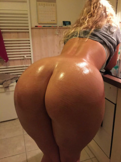This blonde has a pretty nice ass!
