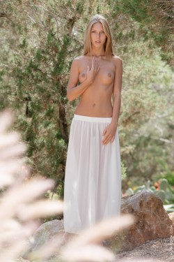 Anjelica Ebbi in the forest
