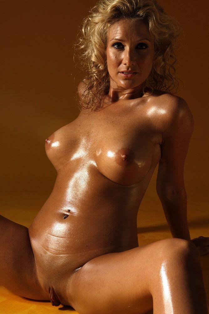фото голых 30 женщин