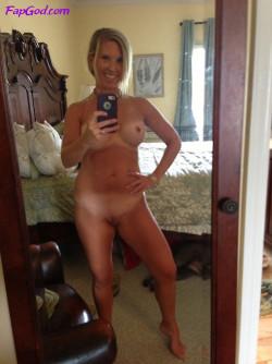 Blonde MILF mirror selfie