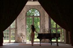 Dat grand piano