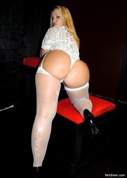 Dee in Stockings