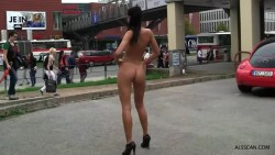 Posing nude in public