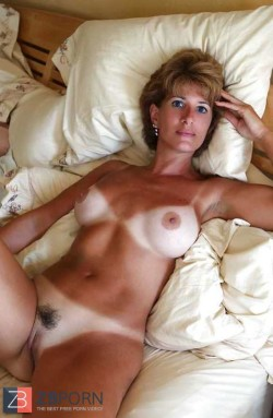 Hot milf with some next-level tan lines