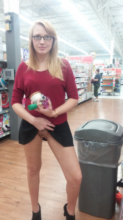 [IMG]Quick flash at Walmart