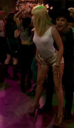 Beth Behrs dance floor plot from Two Broke Girls
