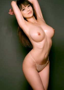 Lightly oiled Asian