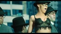 Jennifer Love Hewitt's music video plot