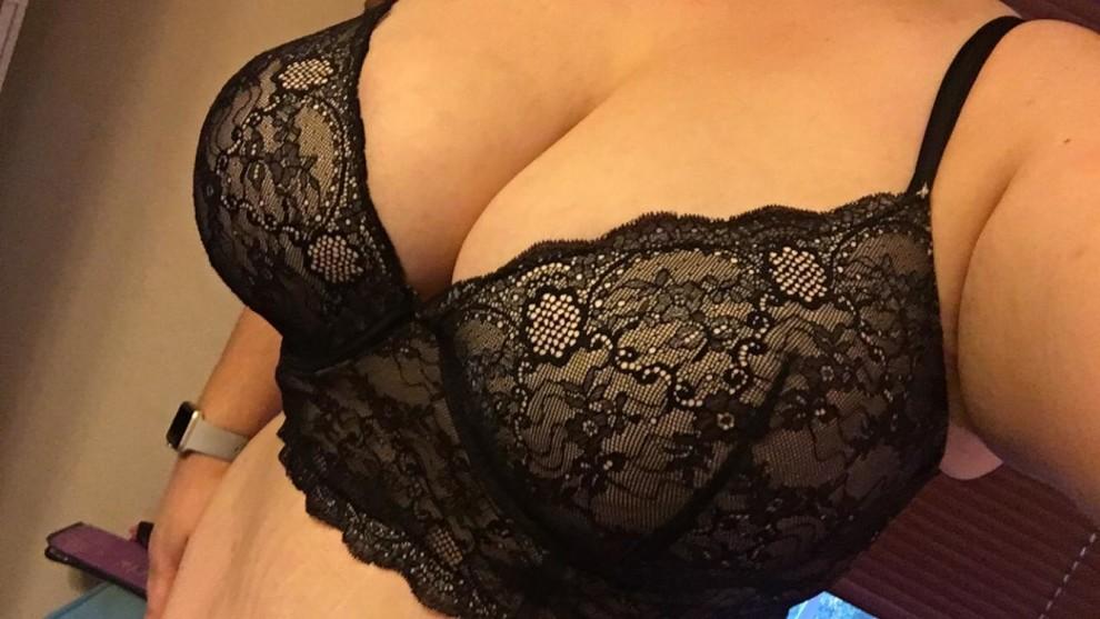Morning tease in my lacy black bra