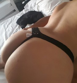 My Indian Hotwife's Gorgeous Ass (F)