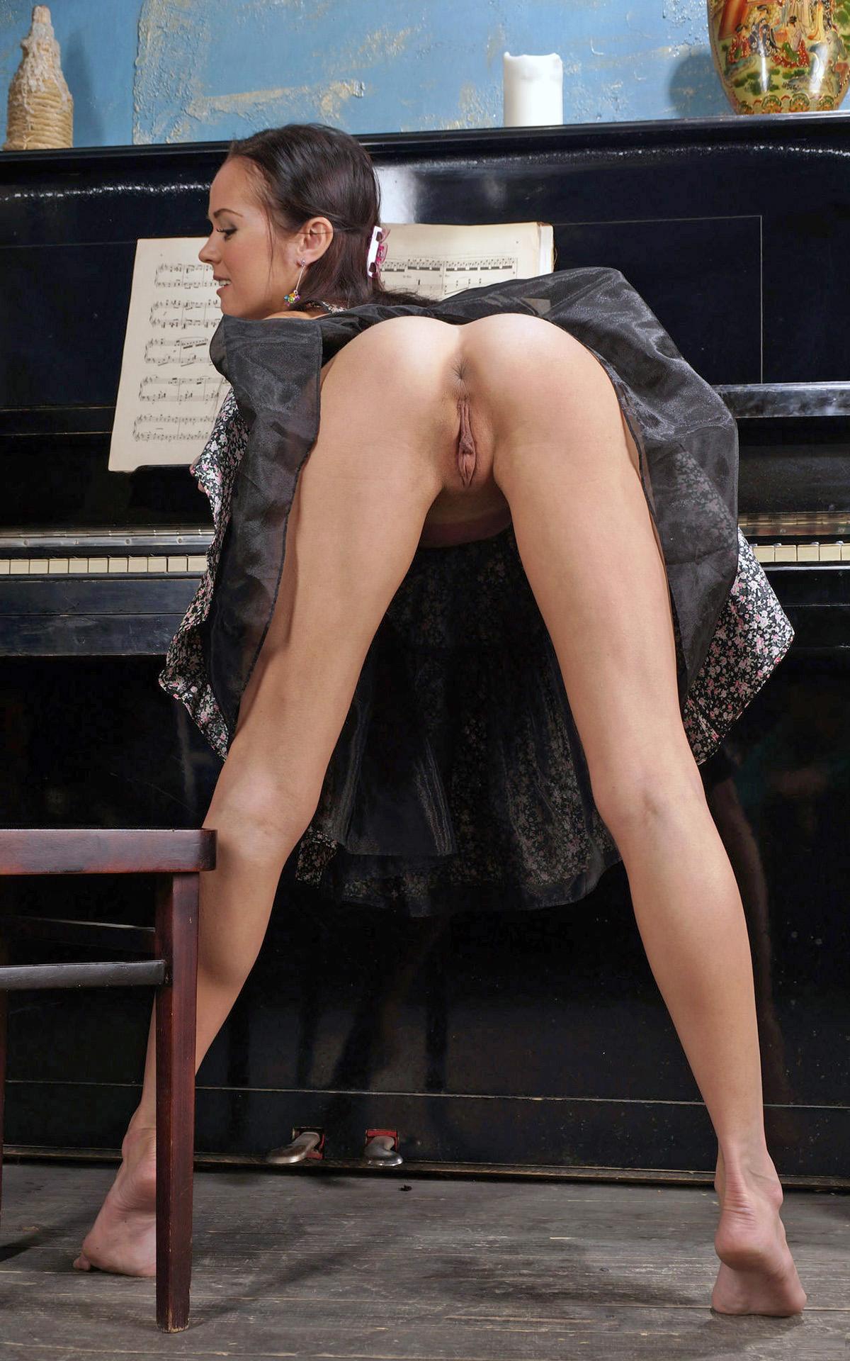 porno-foto-pianistki