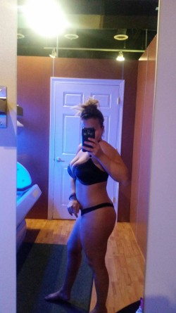 Pre-tanning selfie!! (F)