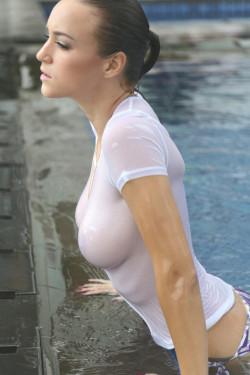 Rosie Jones emerging from the pool