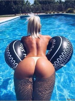 Sun and pool..!!!