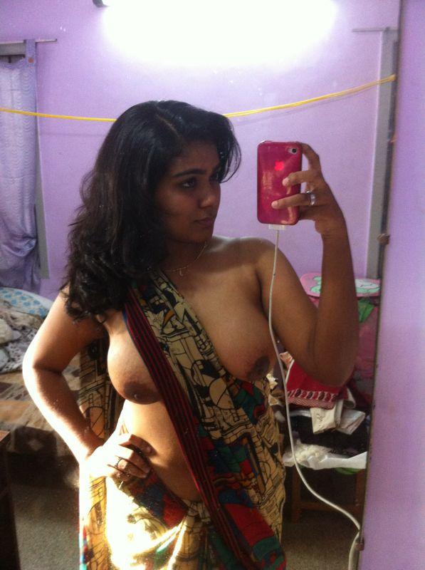 Topless Saree Selfie [PIC]