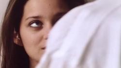 """Marion Cotillard plot in """"Chloé"""" (1996)."""