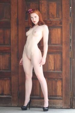 in the doorway [x-post /r/NakedHotties]