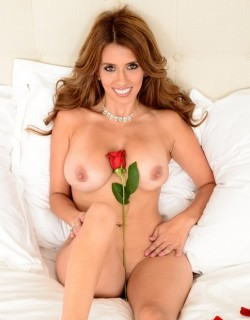 Brunette MILF deserves a rose