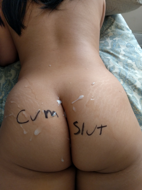 Cum on her ass