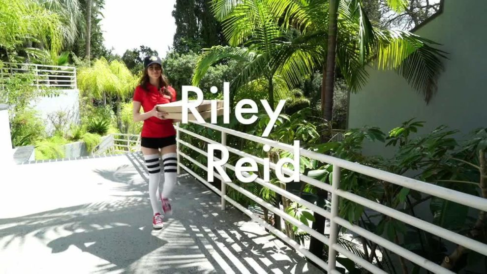 Riley Reid gang banged DPed squirting facialed and swallowing